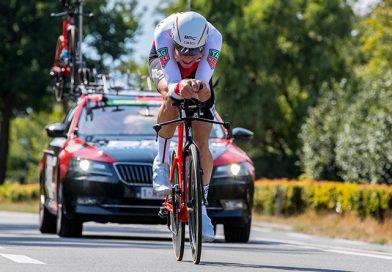Stefan Küng wint de tijdrit in de BinckBank Tour