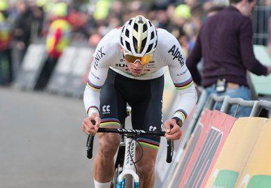 Mathieu van der Poel wint in Hoogerheide