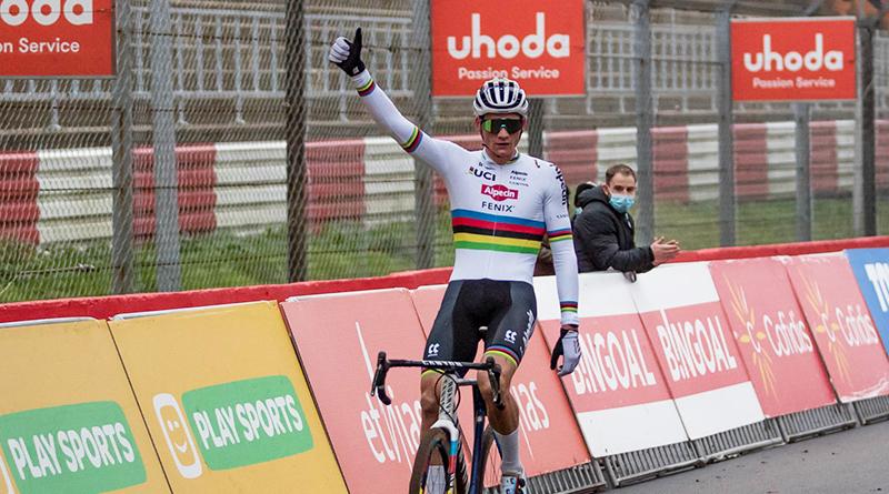 Mathieu Van der Poel wint Superprestige Cross in Zolder