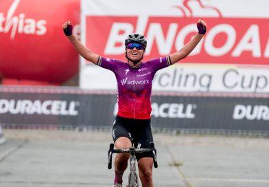 Chantal van den Broek-Blaak wint Dwars door het Hageland.